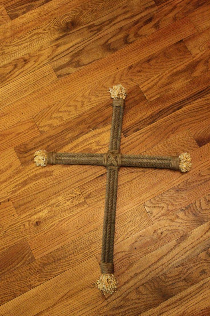 Lariat rope cross