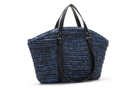 Medium-sized basket shaped bag woven in raffia with two types of handles: small handles and shoulder straps. It is a medium-sized bag that is both practical and urban.  #Abbacino #Summerinthecity #SS15