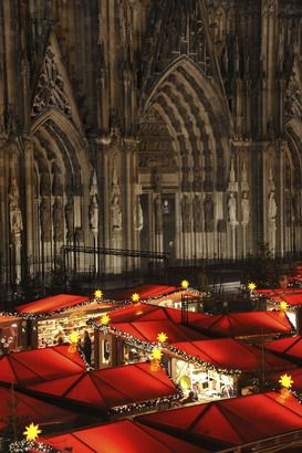 Christmas Market Weihnachtsmarkt am Dom - love it and miss it! repinned by www.mybestgermanrecipes.com