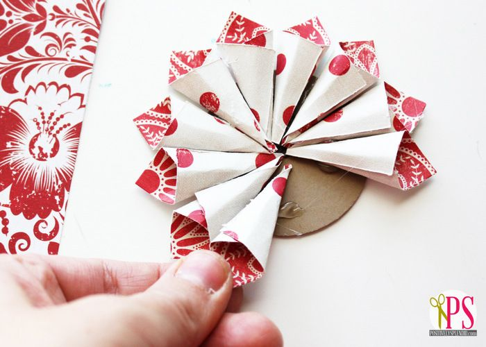 rolled paper flower christmas ornaments tutorial 4