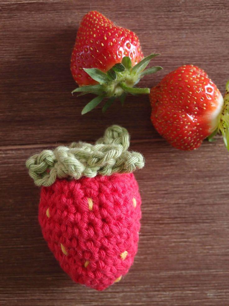 Fraises au crochet  Dinette  Modèle DROPS design n° W-030-bn