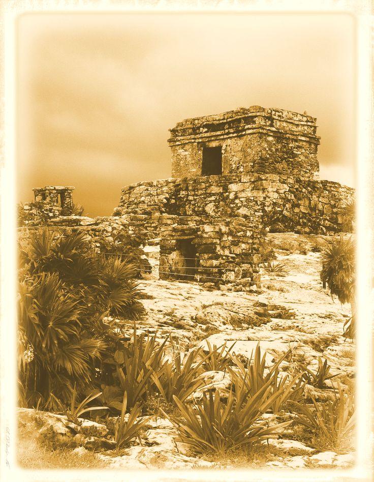 Tulum ruins photo by Chantale Rivard available on   https://www.etsy.com/fr/shop/ChantaleRivardArt?ref=hdr_shop_menu
