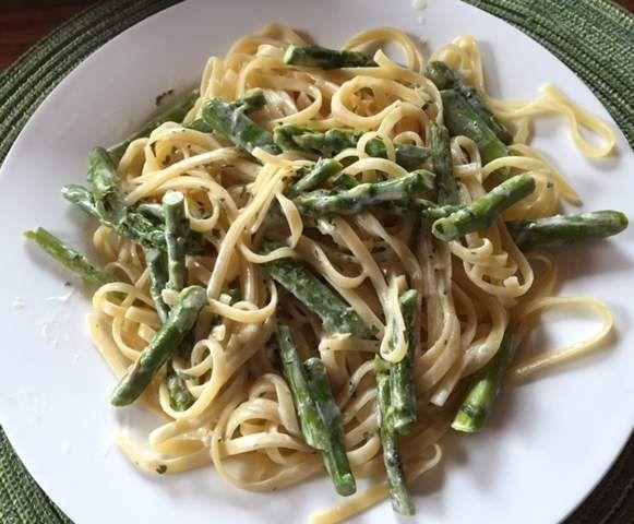 Rezept Linguine mit grünem Spargel von olienebiene - Rezept der Kategorie Hauptgerichte mit Gemüse