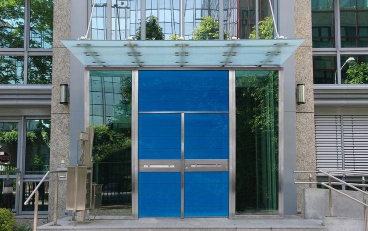 ΠΟΡΤΕΣ ΑΣΦΑΛΕΙΑΣ Golden Door :: Νέο Design :: Δίφυλλη πόρτα ασφαλείας με επένδυση από τζάμι securite, με φεγγίτη από το ίδιο υλικό & πλαινά σταθερά