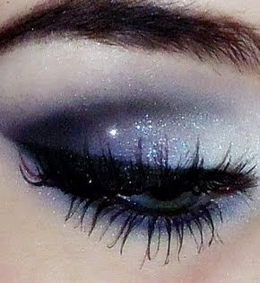 Holiday eye make up