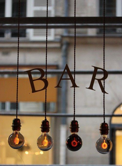New_hotel_Roblin-Paris-Madeleine-Decoration-Flamant-Boutique_hotel-bar-ampoule-design