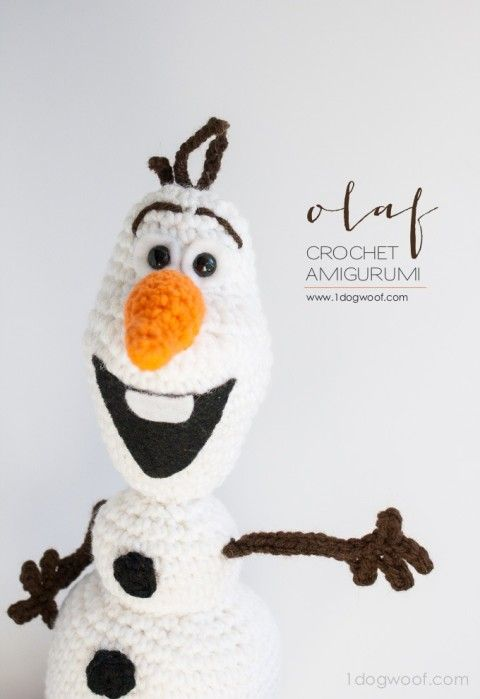 I can't stand the cuteness! Adorable Olaf FRozen crochet pattern, and it's free! | www.1dogwoof.com