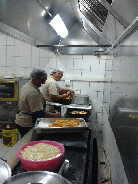 Deliscious meals been prepared at Safari ostrich show farm.