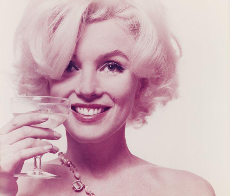 Pred 55 rokmi zomrela Marilyn Monroe. Pripomeňte si ju na ikonických fotografiách - zena.sme.sk