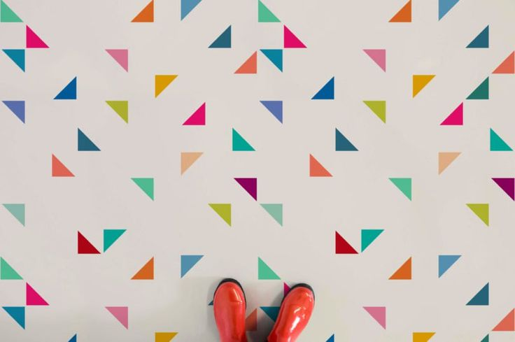 juke-box-II-triangle-pattern-flooring-neutral-feet