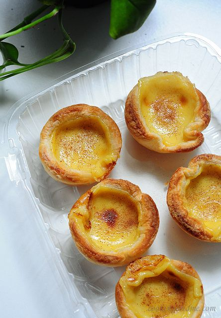 Portuguese egg tarts... oh my heavens, if these are good and easy, I shall likely put on 15lbs