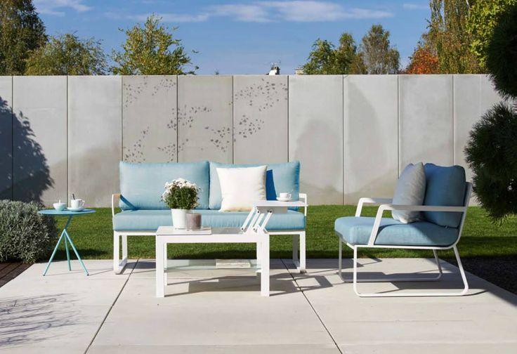 Kolejna z nowości ogrodowych na sezon 2017. Kolekcja TAMPA. Błękit i biel. Stolik z podnoszonym blatem, same cudowne rozwiązania. <3