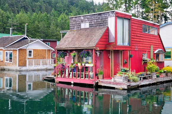 Float home, Maple Bay, Cowichan Valley, Vancouver Island, BC.