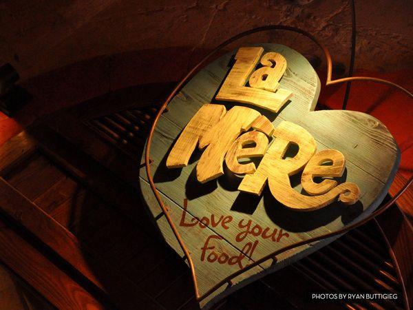 La Mere Interiors & Signage by Panda , via Behance