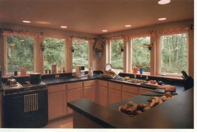 Kitchens with no upper cabinets lots of light kitchen for Window design 4 4