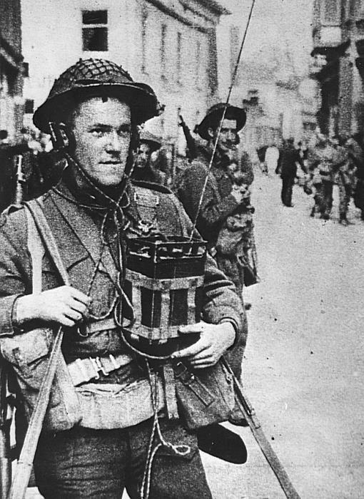 Canadian troops in Apeldoorn, Netherlands with No.38 Wireless Mk II