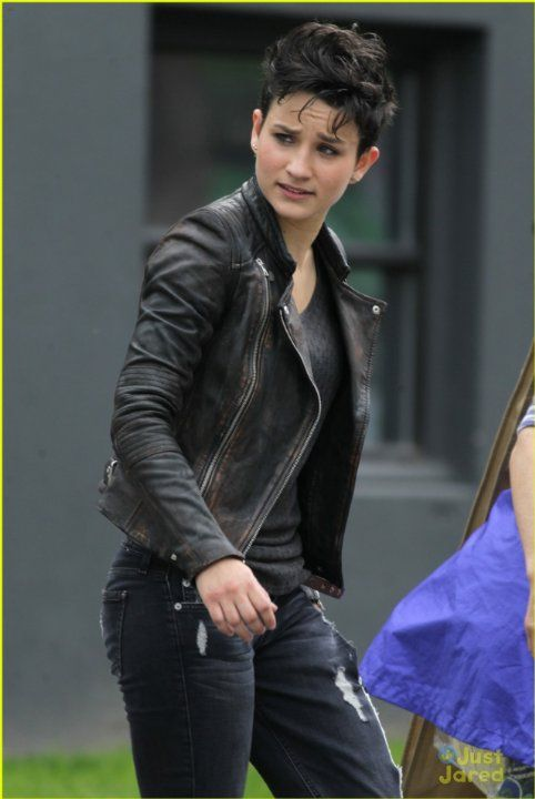 Bex Taylor-Klaus Wouldn't she make a good Wonder Woman?