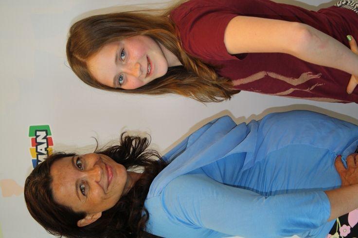 Benthe de Wijs, aanstormend musical-talent, was ook op de Lizzy VIP-dag bij Uitgeverij Kluitman, met Suzanne Buis die hier nog zwanger was van haar tweede dochter, Femke Judy