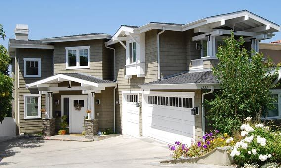Craig conroy finds a buyer for his manhattan beach for Craftsman style homes dfw