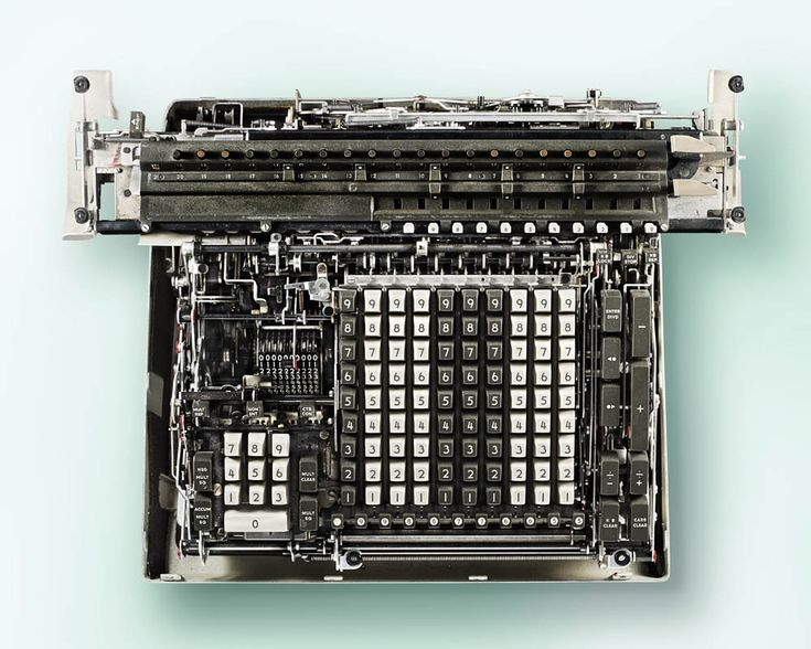The Inner Workings of Antique Calculators Dramatically Photographed by Kevin Twomey