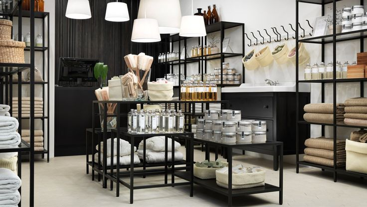 Ein Wellness-Shop mit VITTSJÖ Satztischen, VITTSJÖ Laptop-Tisch und VITTSJÖ Regalen in Schwarzbraun und mit Glas, HEMNES Waschbeckenschrank ...