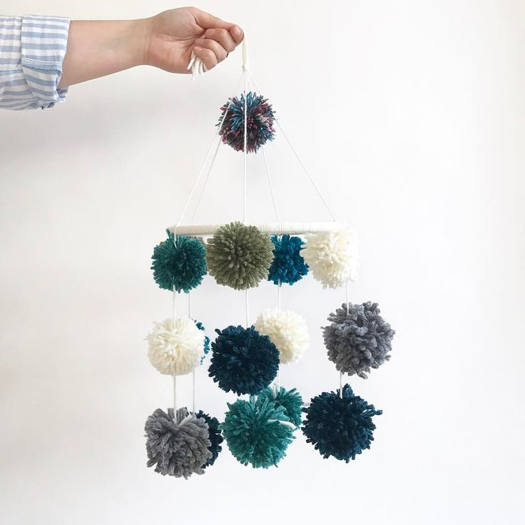 "133 Gostos, 7 Comentários - Julieta (@insta_julieta) no Instagram: ""pom pom mobile for the nursery of a soon to be born baby boy. 💙 . love the result, clumsy looking…"""