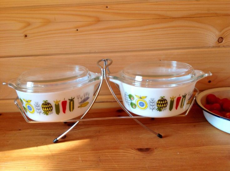 1967 Meran JAJ Pyrex Junior Space Saver Buffet set - rare pyrex set - midcentry pyrex - USA equivalent 472 by Onmykitchentable on Etsy https://www.etsy.com/listing/252390091/1967-meran-jaj-pyrex-junior-space-saver