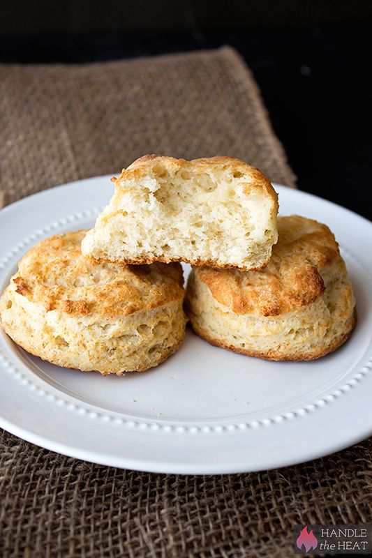 How To Make Light And Flaky Buttermilk Biscuits Recipe ...