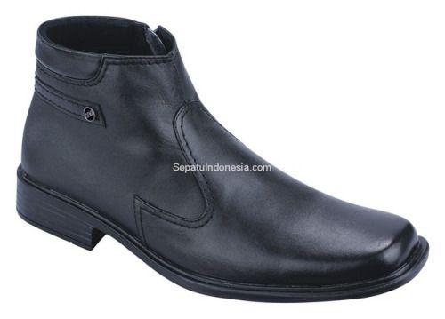 Sepatu boot CTN 17-46 adalah sepatu boot yang nyaman dan kuat...