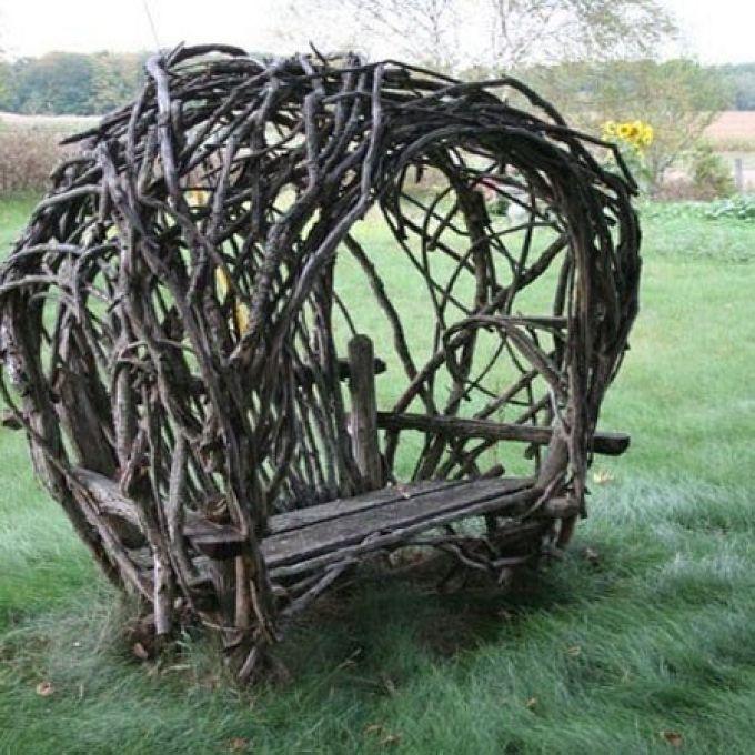 Садовая мебель из дерева, веток, пеньков и коряг!