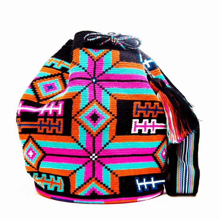 Hermosa Wayuu Bag - woven by one thread