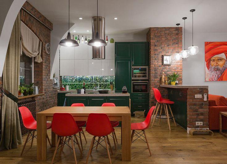 A hét lakása: látványos kétszintes otthon - smaragdzöld konyha és falak élénk színek játszó- és gyerekszoba