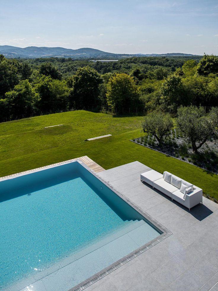 34 best piscines miroir images on pinterest architects for Construction piscine 34
