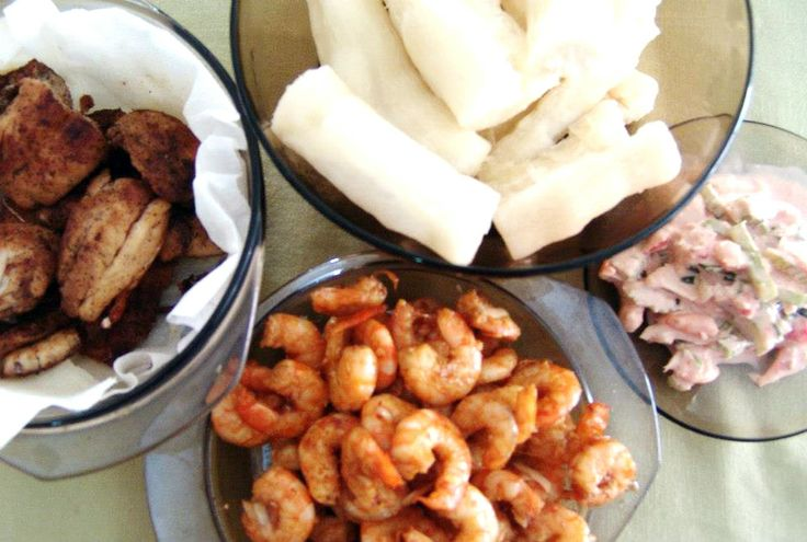 Fried pepper fish; seafood salad; garlic pepper prawns and home grown cassava #fish #seafood @seafoodsalad #prawns #garlicprawns #garlicpepperprawns #cassava