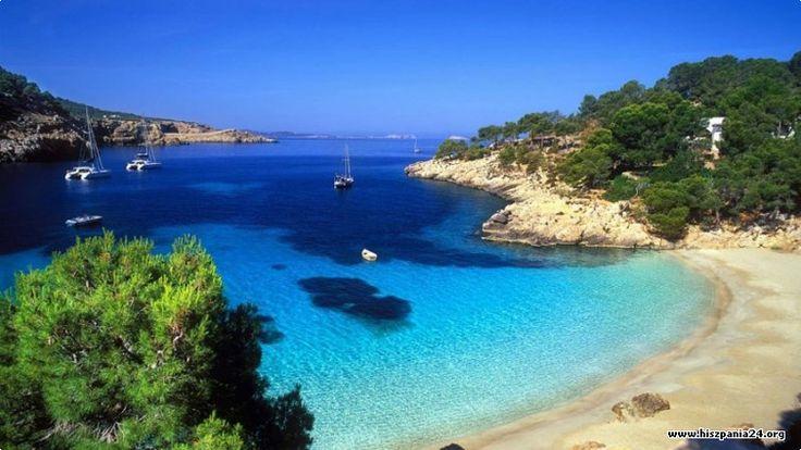 Zniewalające laguny na Ibizie #ibiza #hiszpania #espania #turystyka #wakacje http://www.hiszpania24.org/baleary/ibiza #baleary
