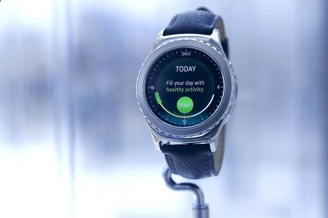Tips For Choosing Smartwatch Samsung Gear S2 review: progress in smartwatch design but lack of apps disappoints - See more at: one1info.com/... - If you want to buy a smartwatch and you do not know which one, you need to review well not only the prices, but also which one is right for you. To do this, we give you useful tips to make the best choice.