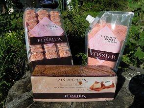 Aujourd'hui, je suis très heureuse de vous présenter mon septième partenaire La Maison Fossier mêle le bon goût d'antan aux saveurs d'aujourd'hui pour combler tous les gourmets et gourmands Voici mon colis : Un paquet de 33 Biscuits Roses de Reim s :...