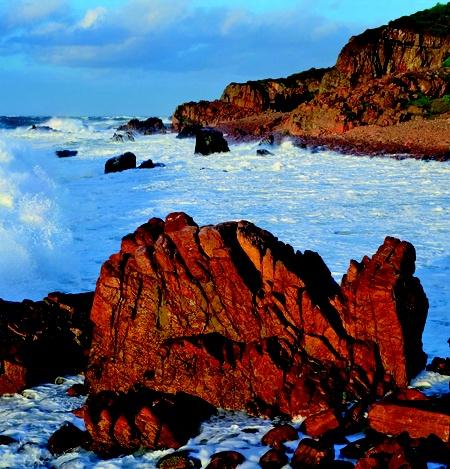 Indrukwekkende rotsen voor de kust van Zuid-Zweden