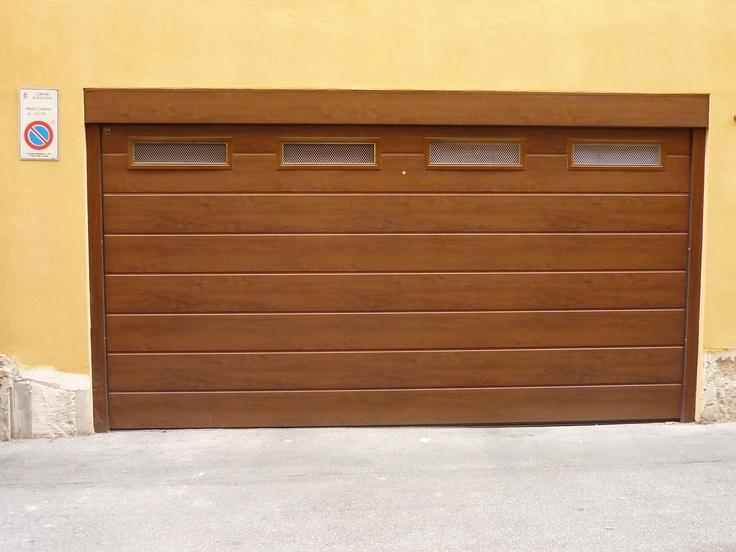 Portone sezionale LPU Decograin con finestratura. BO Agente Castellari