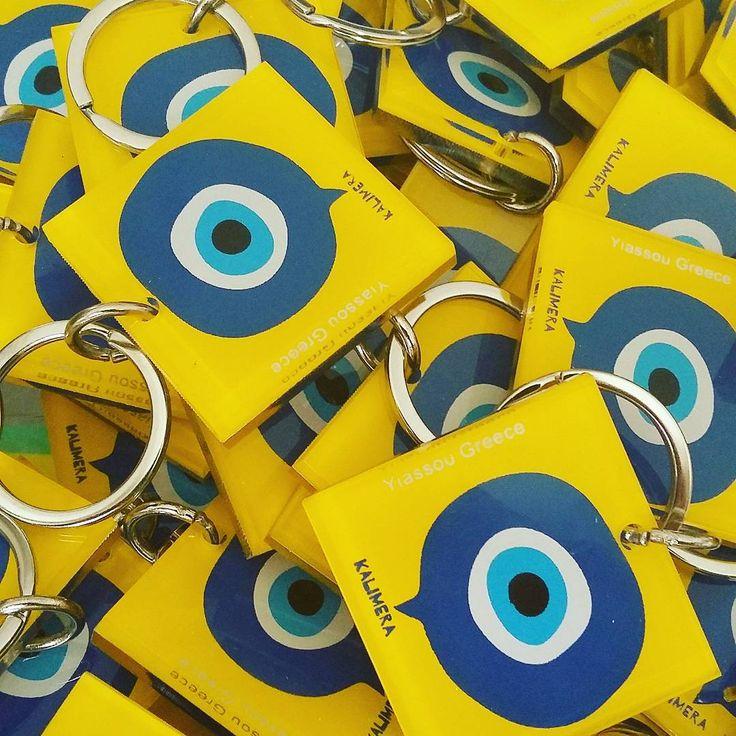 #plexiglass #keychain for @yiassougreece  #yiassou #evileye #kalimera #goodmorning #yellow #blue #screenprint #silkscreen #lazercut #greekdesigners #souvenirs from #greece #photooftheday #handmade #handprint #handcraft #instaartwork #instaart
