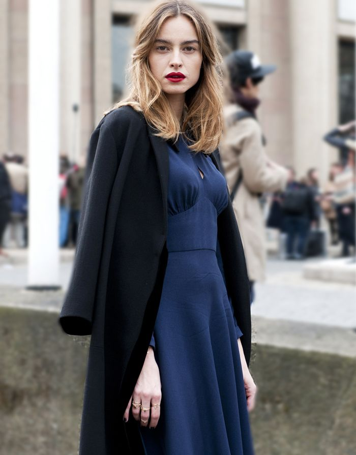Color combination: black, blue + red lipstick