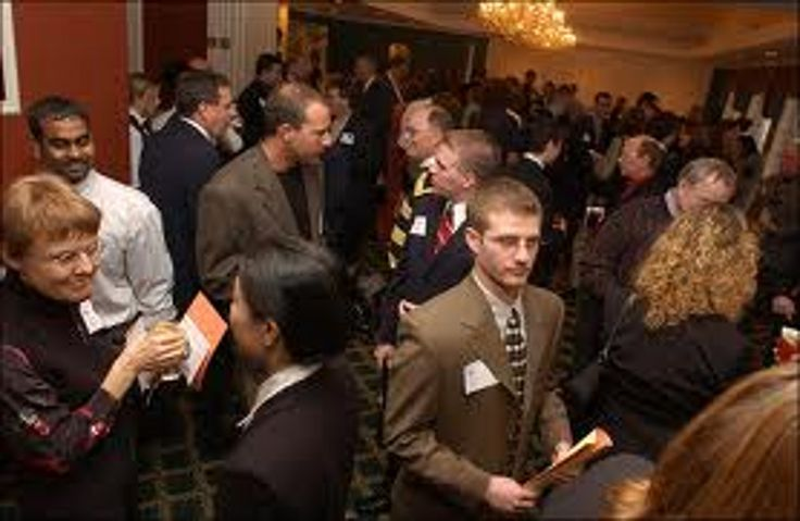 10 Professional Networking Conversation Starters nn Professional networking is very important to a career.  Get the conversation started with these suggestions.