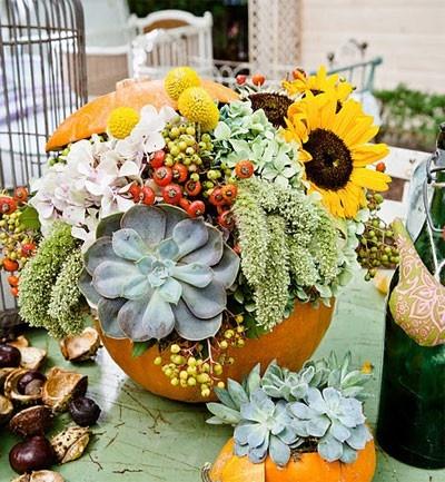Aprende a hacer un centro de flores para darle la bienvenida a halloween. Conocelo en http://www.soymanitas.com/fotos-centros-flores-halloween___6034