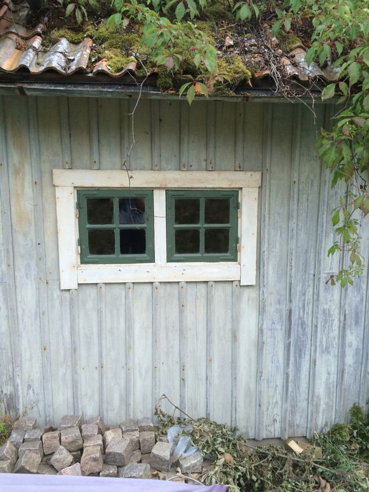 Nymålade garagefönster 👌