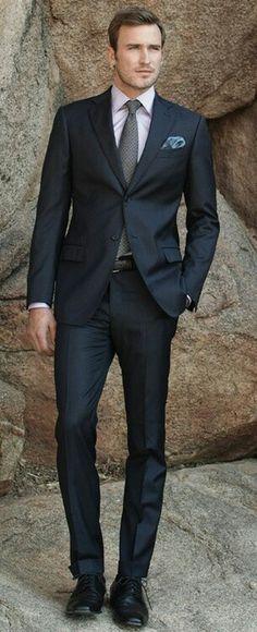 Clase y estilo en la moda masculina, um terno desse é outra apresentação.