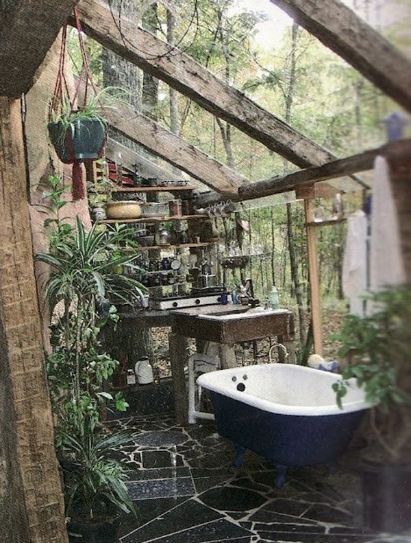 Jungle Bathroom with wood!!!