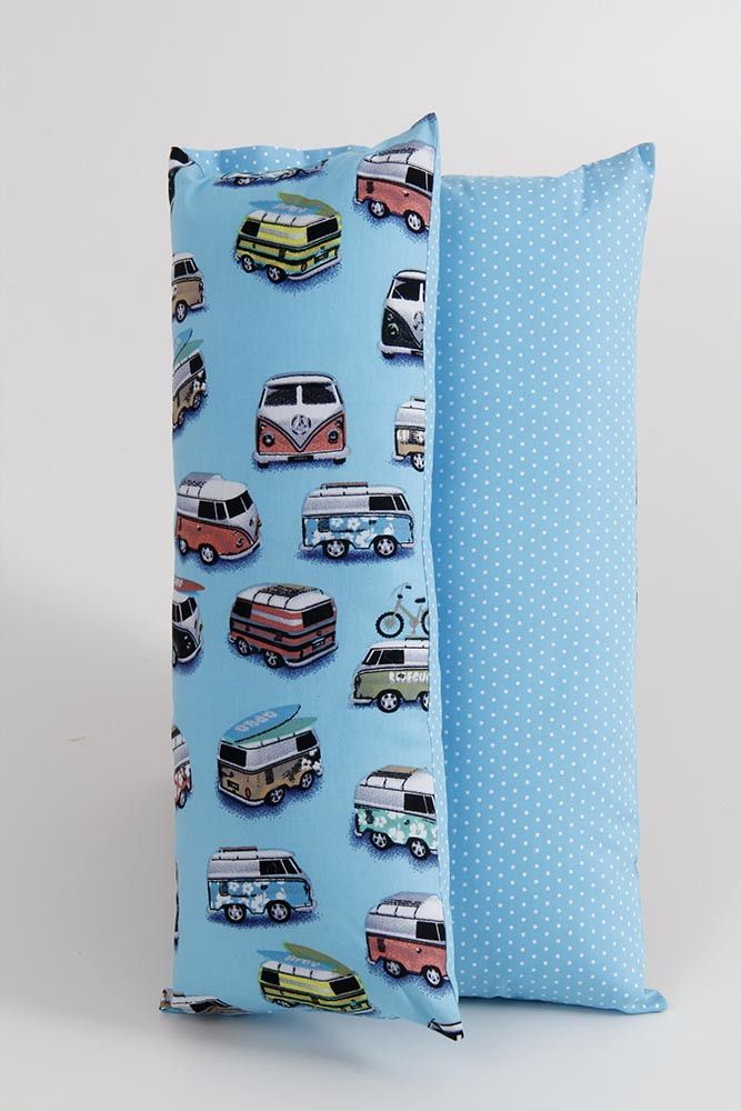Almofada utilização do cinto de segurança ou para apoio da cabeça no carro. <br>Pode ser usado em qualquer idade <br> <br>Tecido 100% algodão e recheio 100% poliéster..