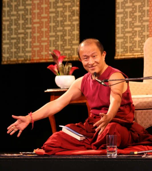 A proper guru-student communication ~ Dzongsar Khyentse Rinpoche http://justdharma.com/s/ztadv  It's probably safe to say that there can't be a proper guru-student communication if the guru never steps down from the throne, unless the guru is a completely enlightened omniscient being who can communicate through telepathy, light, or supermagical powers. The guru is supposed to act like a doctor, and the disciple is the patient. How can a doctor treat the patient if he doesn't know what's…
