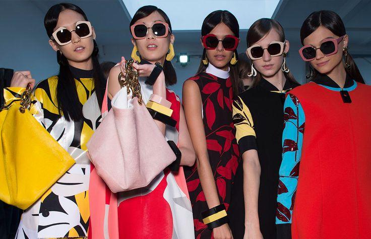 Nuevos armazones en figuras insospechadas y micas de colores se cuelan en tu guardarropa de Primavera-verano 2016. Apúntate a las innovadoras propuestas y diviértete con lentes que declaran estilo.