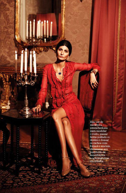 ..Giovanna_Battaglia_Musa_De_Ouro_March_2011_Vogue_Brasil